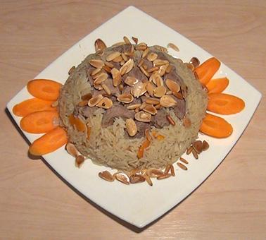 ارز بالجزر مع لحم الموزات