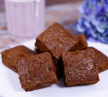 طريقة عمل براونيز الشوكولاتة بالحليب